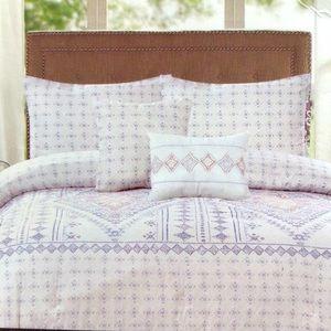 NEW Queen Duvet Set - Duvet Cover & 2 Pillow Cases